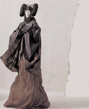 Ma Ke Fashion Designer